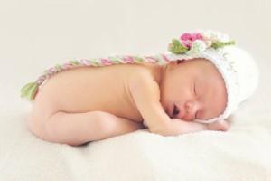 宝宝睡觉老用腿砸床有哪些预防措施